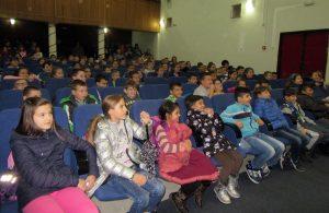predstava-nasa-deca-bioskop-vlasotince